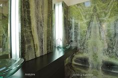 """Bathroom with """"Irish Green"""" exclusive marble coating of Antolini, available in Nerinea Dream Bathrooms, Amazing Bathrooms, Black And Silver Wallpaper, Marble Floor Kitchen, Marble Wall, Marble Slabs, Exclusive Real Estate, Accent Wall Decor, Green Marble"""