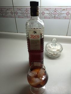 Patxaran navarro, muy bien bajativo en casa Whiskey Bottle, Drinks, Food, Home, Meals, Drinking, Beverages, Essen, Drink
