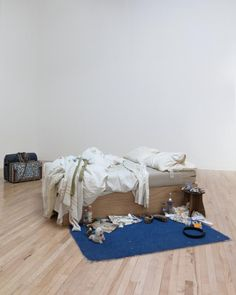 Installation art - Tracey Emin 'My Bed' 1998