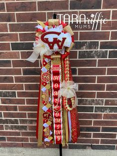 Custom Homecoming Mums and Garters for Spring, Texas and surrounding areas. Cypress Lake High School, Oak Ridge High School, Homecoming Garter, Homecoming Mums, Klein Collins High School, Woodland High School, Spring High School, Spring Texas