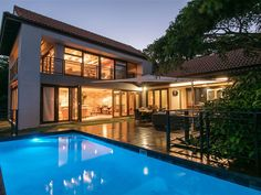 5 Blackwood - This is a magnificent, free-standing, family home in the heart of Zimbali. Situated in a quiet cul-de-sac with ocean and golf course views. This property offers a modern contemporary element, conducive .
