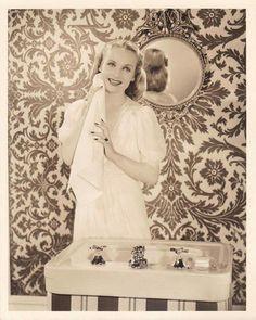 Carole Lombard, Art Deco