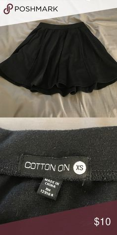 🌹MOVING SALE🌹 black skater skirt Perfect black skater skirt for any time of year. Has some weight to it so it falls perfectly Cotton On Skirts Circle & Skater
