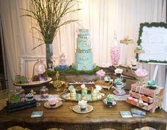 Vintage inspired wedding sweet table by Cupcake et Macaron Montreal