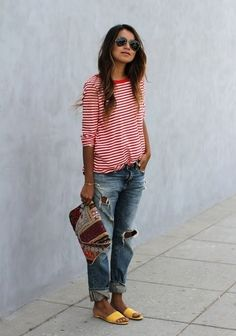 0c91a36e14 How To Wear Boyfriend Jeans and still look feminine   Baggy or boyfriend jeans  have always been a hot favourite from the till now. You can change your look  ...