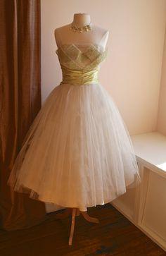 1950s Wedding Dress // Vintage 50s Tulle Wedding by xtabayvintage, $398.00
