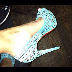 Tribal shoe look