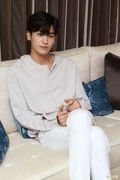 Park Hyung Sik Hwarang, Park Hyung Shik, Ahn Min Hyuk, Ahn Jae Hyun, Hot Asian Men, Asian Boys, Choi Min Ho, Lee Min Ho, The Heirs