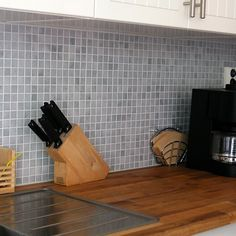 Grå mosaik i köket