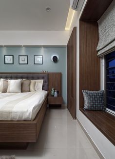 The entire apartment interior is bound by poise and gracefulness, using elements that have similar characteristics and synchronicity. With a subtle rhythm in design elements Master Bedroom Interior, Bedroom Closet Design, Bedroom Furniture Design, Home Room Design, Home Interior Design, Modern Master Bedroom, House Design, Bathroom Interior, Indian Bedroom Design