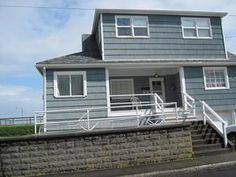 Seaside, OR: Oceanfront in Seaside! Located on the Prom, this house offers a sun room facing the ocean for watching the waves, reading a book, or catching a beauti...