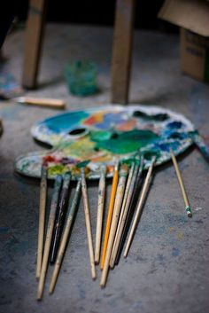 Brushes and palette- one day, i will have these things. :)