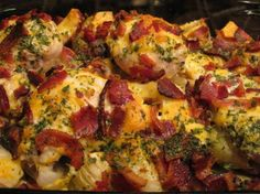 Chicken & Roasted Red Potatoes  Ingredients: 1/4 cup ranch dressing 6 large bone-in skinless chicken thighs, visible fat removed 4 slices bacon 1 1/2 lbs red potatoes, cut into 1-inch chunks 1 onion, cut into 1/2-inch chunks 1 cup KRAFT Shredded Triple Cheddar Cheese with a Touch of PHILADELPHIA 2 tablespoons fresh parsley, chopped  Directions: 1 POUR dressing over chicken in shallow dish. Refrigerate 30 minute to marinate. 2 HEAT oven to 400ºF. Cook bacon in large skillet on medium heat…