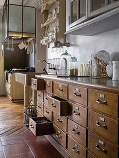 Rustic Farmhouse Kitchen 2019 & DIY Kitchen Storage and Organization Ideas Adorable Rustic Farmhouse Kitchen 2019 & DIY Kitchen Storage and Organization Ideas source link Country Kitchen, New Kitchen, Vintage Kitchen, Old Farmhouse Kitchen, Paris Kitchen, Kitchen Rustic, Kitchen Corner, Kitchen Mat, Rustic Kitchen Cabinets
