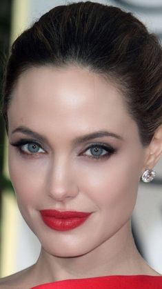 Angelina Jolie Face, Angelina Jolie Children, Angelina Joile, Eye For Beauty, Beauty Women, Monalisa Photo, Stunning Eyes, Stunningly Beautiful, Sophie Marceau Photos