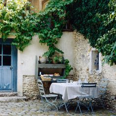 Make the most of your outdoor space with our best courtyard ideas plus other decorating ideas from Red Online. Outdoor Rooms, Outdoor Dining, Outdoor Gardens, Outdoor Furniture Sets, Outdoor Decor, Outdoor Seating, Outdoor Patios, Outdoor Kitchens, Dining Area