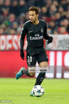 Neymar of PSG Paris runs with the ball during the UEFA Champions League group B match between Bayern Muenchen and Paris SaintGermain at Allianz Arena...