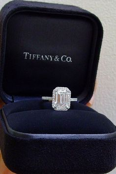 halo style engagement rings by tiffany 2