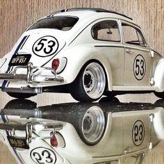 Belíssimo Herbie 53 -------------------------------- QUER VER O SEU CARRO AQUI? MANDE AS FOTOS VIA DIRECT. Obs.: Envie a descrição do carro, modelo, ano, alterações e etc... Iremos publicar com a foto. -------------------------------- #vw #volks #volkswagen #aircooled #vwair #herbie #vwaircooled #euamofusca #vwbus #vwbug #oldschool #oldcar #brasilia #vwbrasilia #motores #hothod #carros m #carroantigo #carrorebaixado #carrosclassicos #classicos #instagood #carrosdecolecionadores #carrosderua…