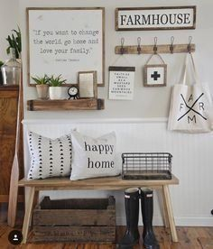 Fabulous rustic farmhouse entryway Entryway Furniture: Do Not Neglect Your Foyer! Halls Pequenos, Modern Decor, Rustic Decor, Rustic Farmhouse Entryway, Modern Farmhouse, Farmhouse Ideas, Farmhouse Style, Antique Farmhouse, Farmhouse Lighting