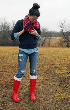 one way to wear hunter rain boots, I think I need several more ways before I can purchase them---ugh love them!!! ((plaid scarf / cable knit sweater / denim top))