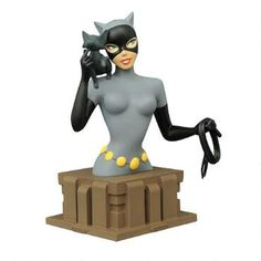 Joining the line of busts based on Batman: The Animated Series, comes the feline femme fatale Catwoman in her iconic costume.