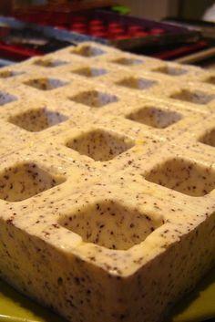 Újabb Zila-teszt: mákos joghurtkocka lemon curd-del töltve – Mai Móni Mousse Cake, Lemon Curd, Poppy, Keto, Sweets, Recipes, Sweet Pastries, Lemon Custard, Gummi Candy