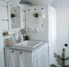 white & simply good -- ⭐️bathroom White Interiors, Swedish House, Amazing Bathrooms, Baths, Laundry Room, Shabby, Spa, Cottage, Dreams