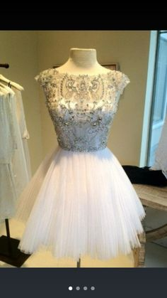 Omg!! Love this dress