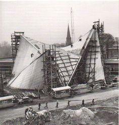 Philips Pavilion was a World's Fair pavilion designed for Expo in Brussels Le Corbusier & Iannis Xenakis Le Corbusier Architecture, Pavilion Architecture, Architecture Details, Modern Architecture, Arch Building, Pavilion Design, Amazing Spaces, Philips, World's Fair