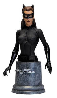 Batman The Dark Knight Rises / bust Statue / Catwoman. It's shipped off from Japan. Dark Knight Rises Catwoman, The Dark Knight Rises, Batman The Dark Knight, Batman Dark, Dc Comics, Purple Suits, Harry Potter, Bad Cats, Gotham City