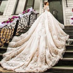 yes or no? #wedding #weddings #weddingday #weddingidea #weddingideas #weddingday #weddingphoto #weddingphotography #weddingdress #weddingdresses #weddinggown #dreamwedding #dreamdress #dreamdressbride #dreambride #dreamweddingbride #dreamweddinggown #dreamgown #gown #dress #dresses http://gelinshop.com/ipost/1519012231349290078/?code=BUUnZOLDERe