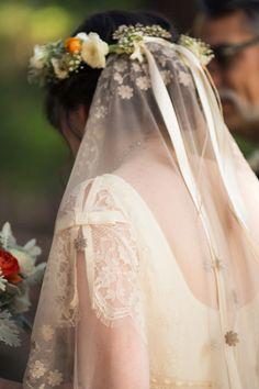 .wedding veil.
