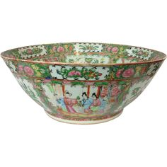 Large 19th Century Chinese Export Canton Famille Rose Porcelain Punch Bowl