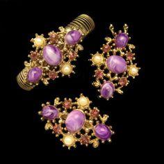 * Vintage necklace, bracelet, and brooch Set  * Retro bar link goldtone chain necklace with pendant  * Flexible band bracelet with decorative
