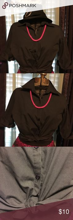 •🖤Ali & Kris🖤•Stylish Button Up Shirt• •♠️•BlaCk Buttoned Up Shirt That You Can Wear Multiple Ways•Has Cuffs You Fold Up• Very Stylish•Formal or SeXy•{GREAT CONDITION}😃👍 Ali & Kris Tops Button Down Shirts