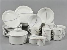 Lauritz.com - Serviser - Mat & kaffeservis. Bertil Vallien . Rörstrand. Rainbow. (52) - SE, Örebro, Aspholmen Mat, Rainbow, Plates, Retro, Tableware, Kitchen, Auction, Rain Bow, Licence Plates