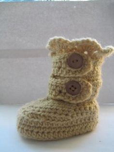 Classic Snow Boots Pattern, 0-12 months  | Craftsy