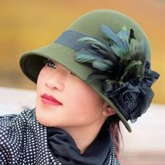 Loden Green Cloche Hat with Feathers . Royal Ascot, Funky Hats, Flapper Hat, Hats For Women, Ladies Hats, Love Hat, Hat Pins, Girl With Hat, Headgear