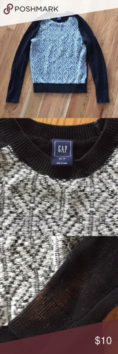 Cute gap sweater Such a cute sweater!  the only thing is The cuffs have a little bit of bleach marks, if you roll them up , u can't see them. This is reflected in the low price GAP Sweaters Crew & Scoop Necks