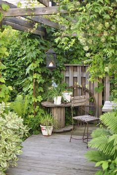Beautiful Cottage Style Garden Ideas for a Charming Outdoor Space A cottage garden can incorporate quirky or funny ideas, like painted signs, that would not go with a more formal garden concept. The cottage garden projects