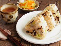 ごま油香る 白菜漬けと塩昆布のオイルおにぎり by 庭乃桃 | レシピサイト「Nadia | ナディア」プロの料理を無料で検索