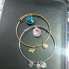 Bundle of 2 wire bracelet Gold toned with blue topaz crystal, silver toned with light pink crystal Jewelry Bracelets