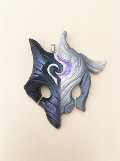 Kindred split charm ~ League of Legends Sculpture Clay, Sculptures, Lambs And Wolves, Troy, Manga Anime, Anime Stars, Cosplay Diy, Lol League Of Legends, Clay Creations