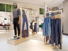 FormRoom for Levi's Fashion Retail Interior, Interior Fit Out, Fashion Displays, Clothing Displays, Commercial Interior Design, Commercial Interiors, Denim Window Display, Creative Design Agency, London Brands