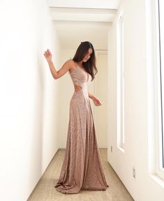 Prom Dresses, Formal Dresses, Beautiful Outfits, Backless, Photo And Video, Clothes, Instagram, Champs, Graduation