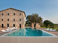 Casa Olivi is a dream with breathtaking views. A protected building set in the gorgeous Marche region, the outside of the house remained true to its origins, while Swiss architects Markus Wespi and Jérôme de Meuron ...