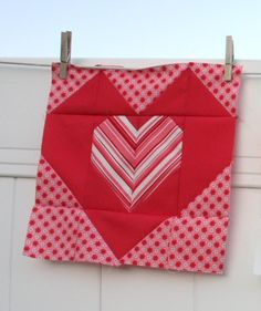 12 Heart Quilt Block free quilting pattern