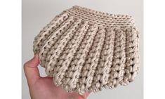 60 new Ideas crochet basket free patterns tshirt yarn Crochet Baby Sandals, Crochet Clutch, Crochet Handbags, Crochet Purses, Crochet Bags, Crochet Bracelet Tutorial, Crochet Videos, Knitted Bags, Diy Crochet