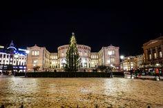 Julemagi i Oslo – Med koffert og kamera Oslo, Mansions, House Styles, Fancy Houses, Mansion, Manor Houses, Mansion Houses, Villas